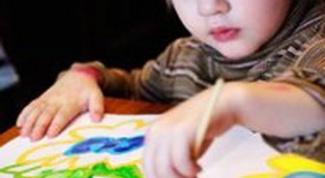 Как научить ребенка трех лет рисовать