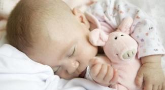 Что делать, если ребенок перепутал день и ночь