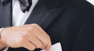 Как завязывать мужской нашейный платок