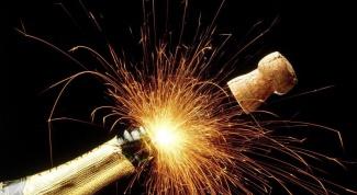 Как оформить шампанское на Новый год