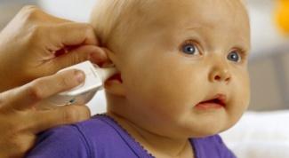 Что делать, если у ребёнка болит ухо
