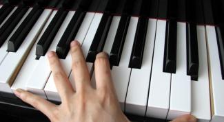 Как научиться играть на пианино самостоятельно