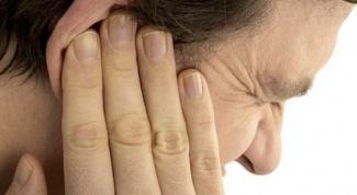 Почему звенит в ухе