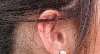 Почему болят корни волос