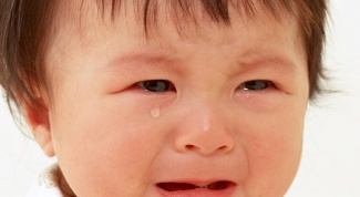 Почему плачут новорожденные