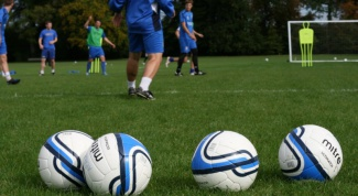 How to enroll in a football club