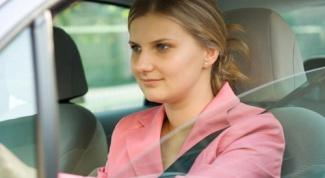 Как научить женщину управлять автомобилем