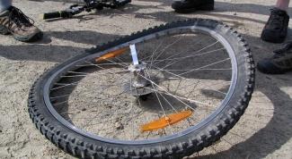 Как выровнять колесо