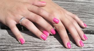 Почему ногти ребристые