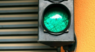 How to install traffic light
