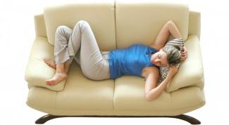Как устранить скрип дивана