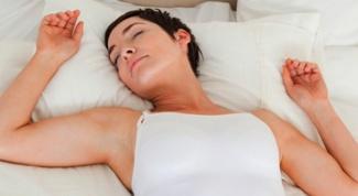 Почему немеют руки во сне