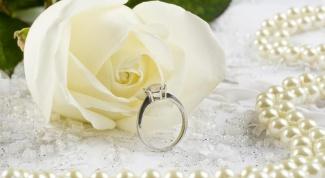 Как украсить помещение для жемчужной свадьбы