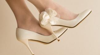 Как подобрать свадебные туфли к платью