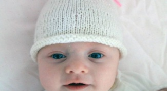 Как связать шапочку для новорожденного спицами в 2018 году