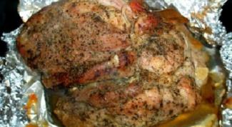 Как приготовить свинину в духовке в фольге