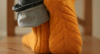 How to knit socks on circular needles