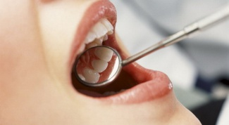 How to relieve swelling after tooth extraction