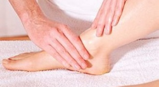 How to treat cracked toes