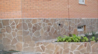 Как отделать дом из камня