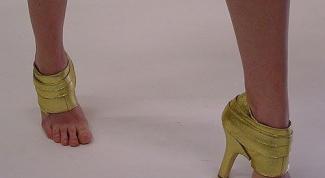 Как избавиться от запаха кожаной обуви