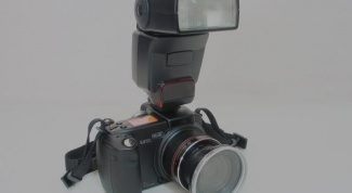 How to connect an external flash