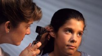 Почему шелушатся уши