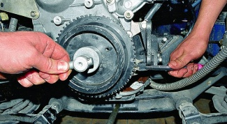 How to loosen crankshaft bolt