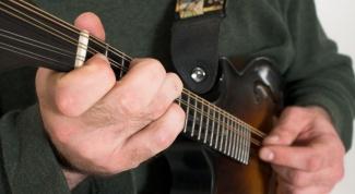 Как настраивать акустическую гитару