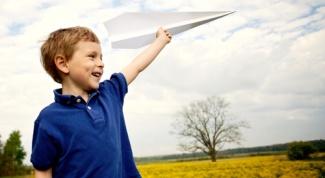Как делать бумажные самолетики