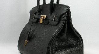 Как отличить подделку сумки