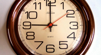 How to determine the time on the clock