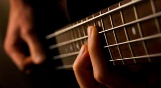 Как играть на бас-гитаре