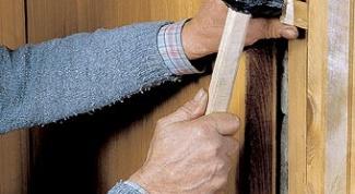 Как заменить дверь