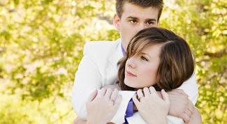 Как обнимать парня