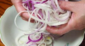 Как мариновать лук для салата