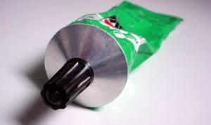 Как отмыть клей