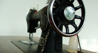 How to run your thread in a sewing machine