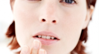 How to treat stomatitis in an adult