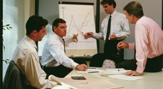How to conduct sales training