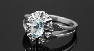 Как почистить серебряные украшения