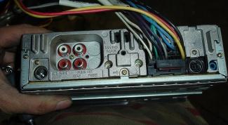 Как подключить магнитофон
