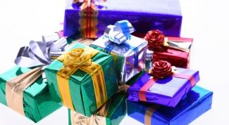 Как завязать бант на подарке