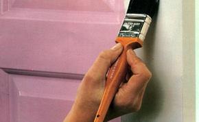 Как покрасить деревянные двери