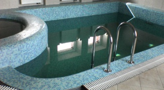 Как построить бассейн дома