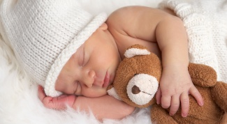 Как укладывать ребенка спать без слез
