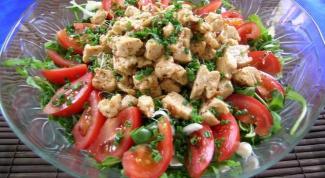 Как готовить салат с белым куриным мясом