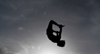 How to do a cartwheel without hands