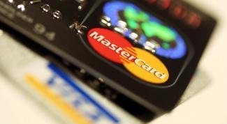 Как положить деньги на банковскую карту