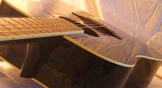 Как поставить струны на гитару